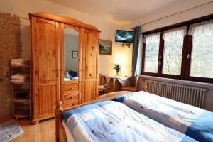 Doppelzimmer Blaue Stube mit großem Kleiderschrank